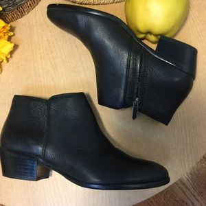 New Sam Edelman Black Pebbled Leather Ankle Bootie